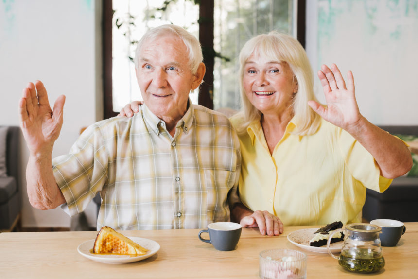 Să ne ajutăm părinții și bunicii! Ce trebuie să facă pe timpul pandemiei