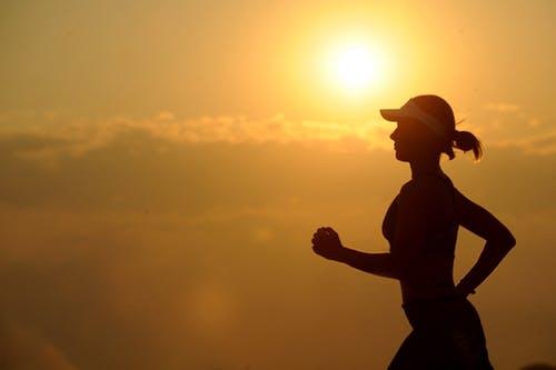 Cinci greșeli pe care le faci atunci când alergi