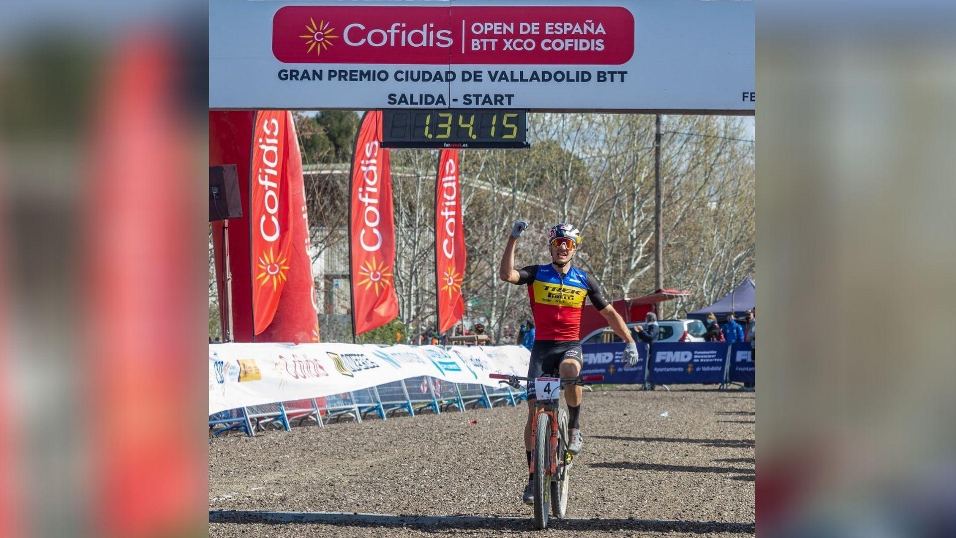 Victorie mare pentru mountain bike-ul românesc, obţinută de Vlad Dascălu la Valladolid